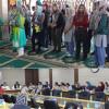 German school girls visit Jamaat Headquarters